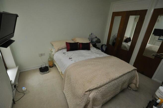 bed 1_edited.jpg