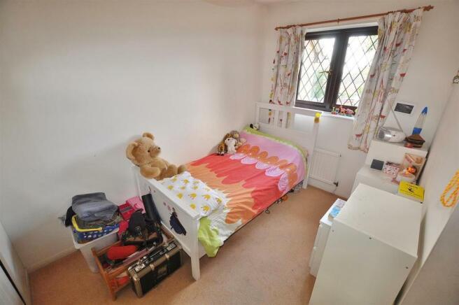 Broadlake Bed2.jpg