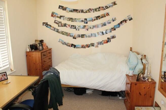 Bedroom 4 (dow...