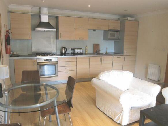 Lounge/Kitchen 2