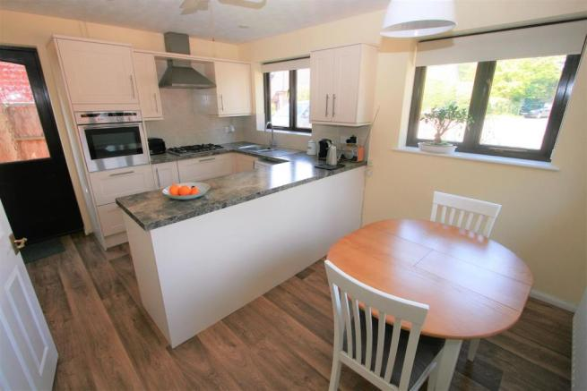 Newly Fitted Kitchen/Dining Room