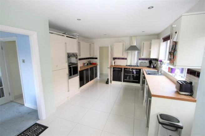 Luxury Kitchen/Dining Room