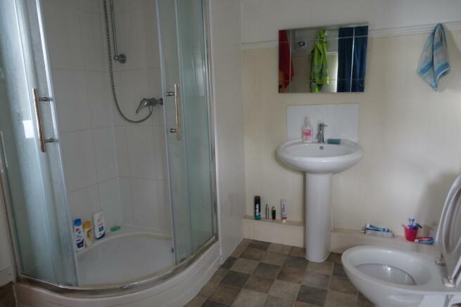 En-suite to bedroom Three