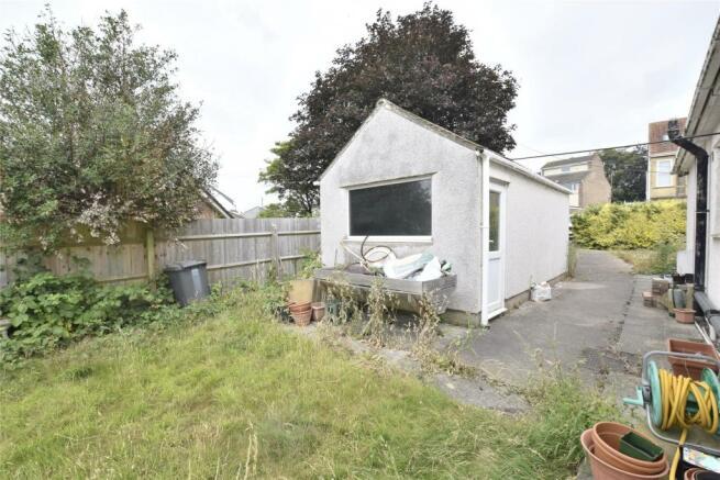 Side Garden/Garage