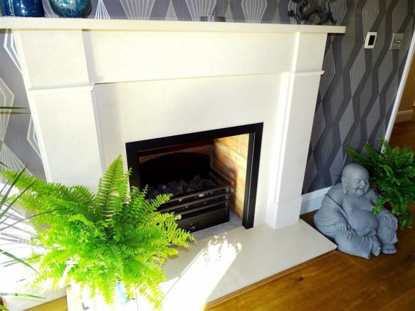 FEATURE STONE FIRE PLACE