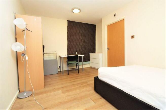 meridian bedroom.jpg