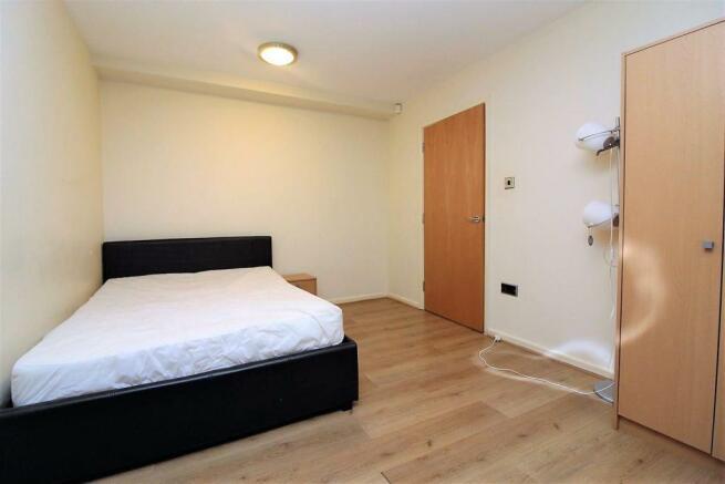 mer bedroom.jpg