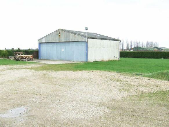 Lot 1 Hangar
