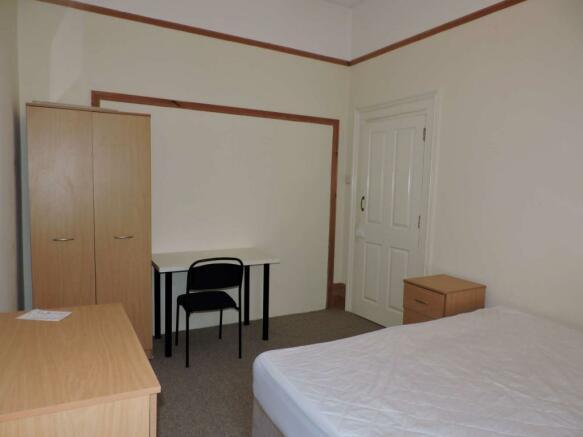 Bedroom 2 - image 2