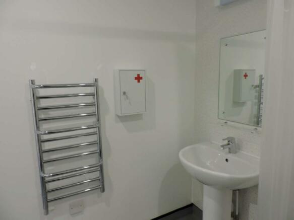 shower room - image