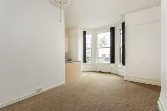 lounge/bedroom area