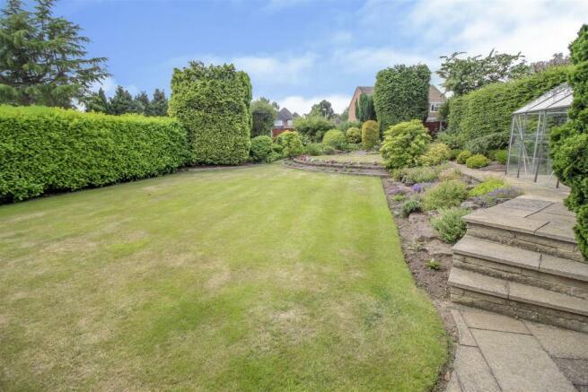 rear garden 2.jpg