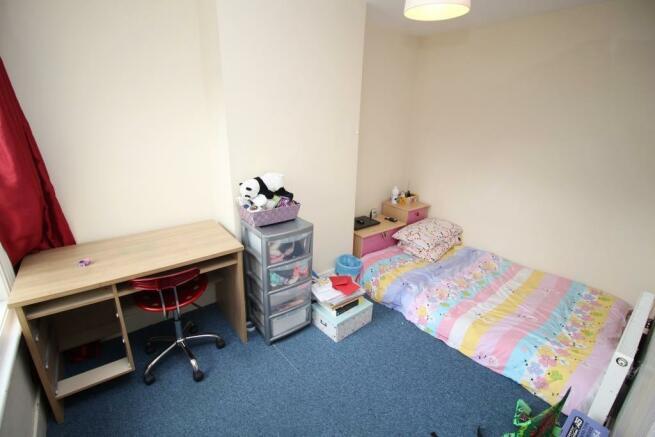 Bedroom 2, Shot 1.JPG