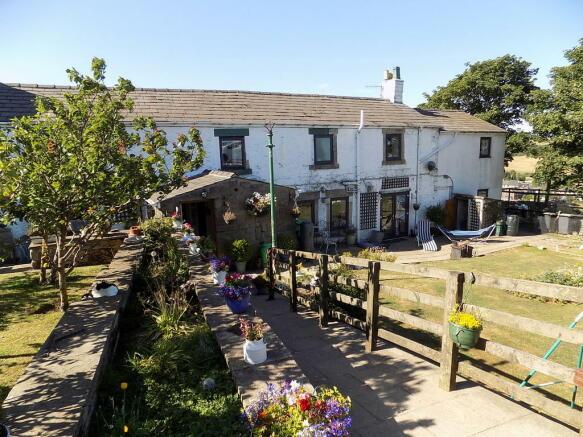 15f8e972970e42 6 bedroom farm house for sale in Longridge Lane