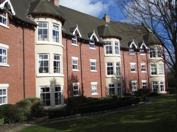2 Bedroom Apartment For Sale In Blakemere Drive Kingsmead CW9