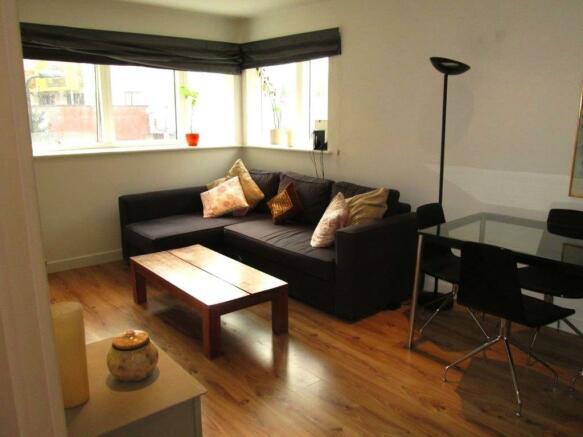 Reception_room__Flat_3_Leyla_House__2_Dunn_Street__E8_2DB_(13).jpg
