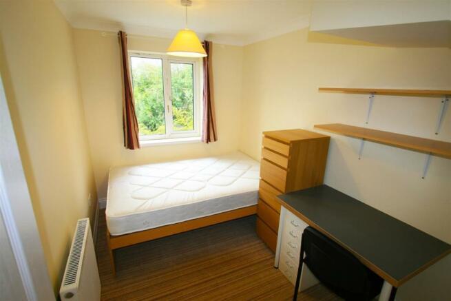 bedroom3landscape (Large).jpg