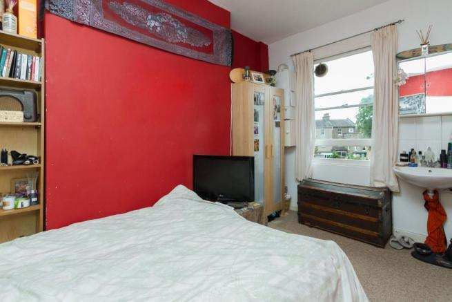 143 bedroom 2.jpg