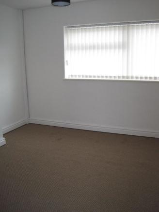 Bishopgate 90 bedroom.JPG