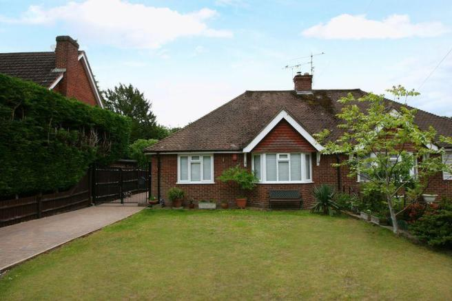 2 bedroom bungalow for sale in Vine Road, Stoke Poges
