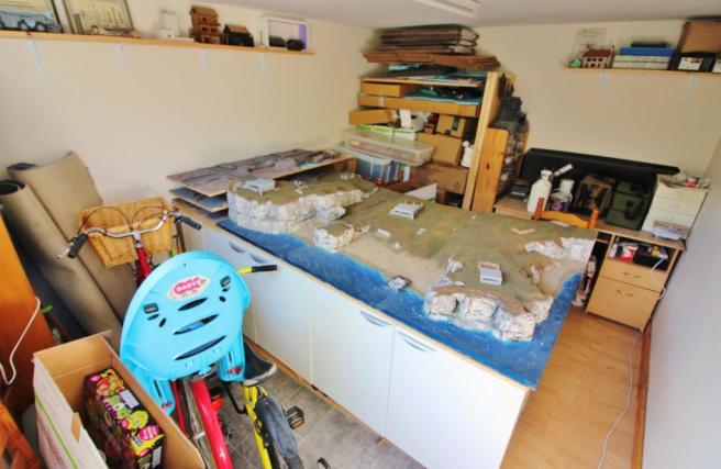 Garage / Studio