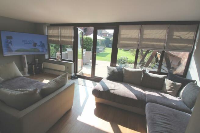 sun lounge2