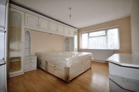 londonrdBedroom1.jpg