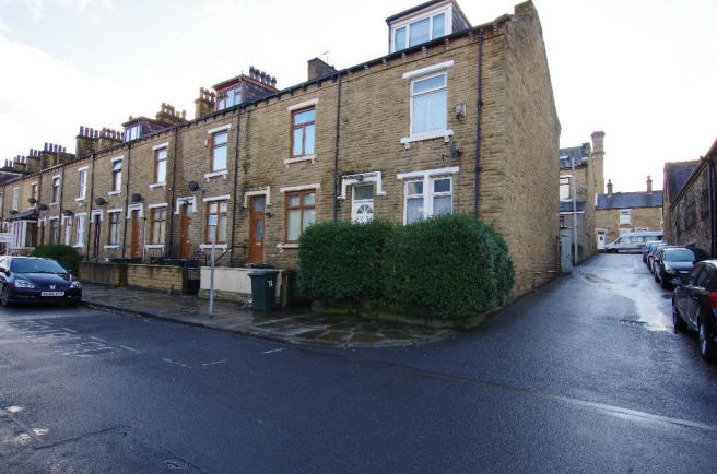 Yorkshire Terrace: 4 Bedroom End Of Terrace House For Sale In LEAMINGTON