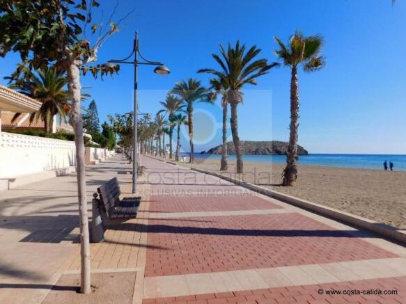 Playa Grande marine promenade