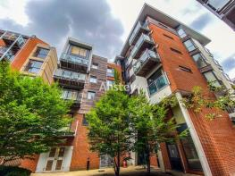 Photo of One Bedroom City Centre Apartment - Private Balcony - Available August