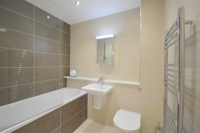 Bath/Shower Rroom