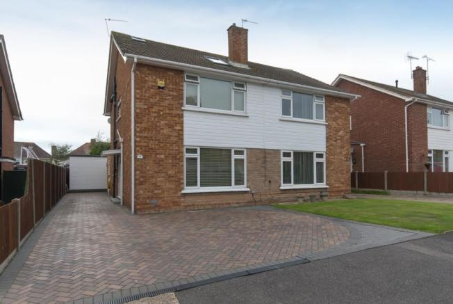 4 Bedroom Semi Detached House For Sale In Kennedy Drive Walmer