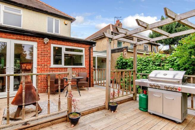 garden decking.jpg