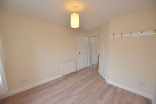2nd Photo Bedroom 1