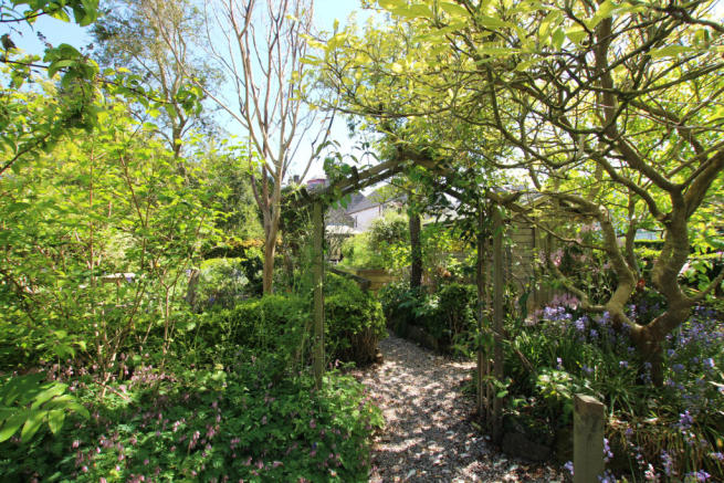 Garden Cottage, 18a High Street - Williamson and H