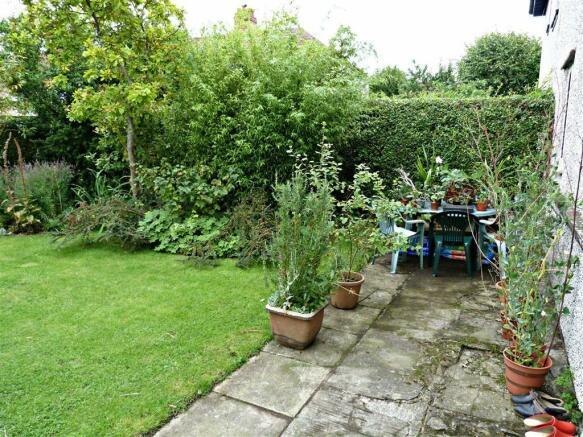 Additional rear garden photo