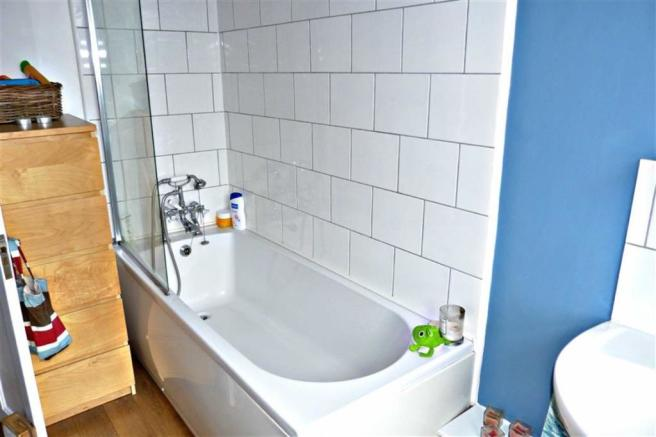 Additional bathroom photo