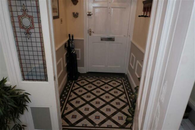 Entrance porch additional photo