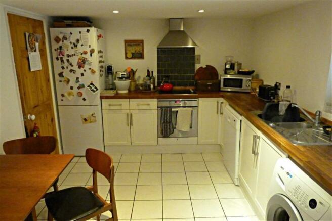 Additional kitchen/diner photo