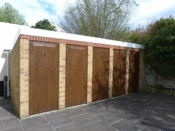 Lock up shed