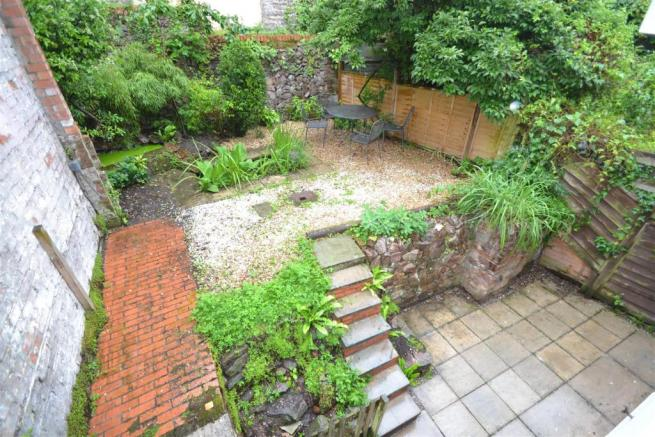 6 North Green Street, garden.JPG