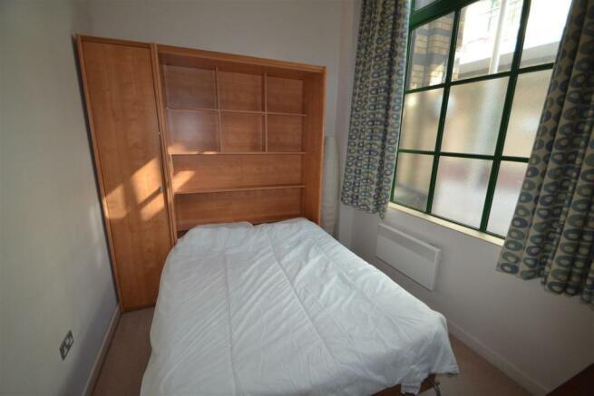 11 The Atrium, bed2.JPG