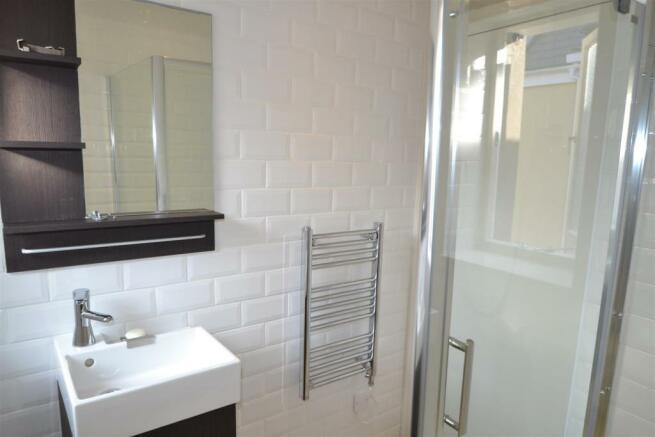 12 Carters Shower Room.JPG