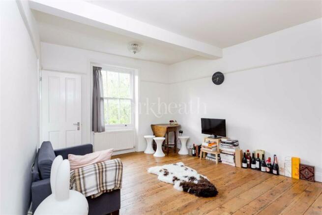 2 bedroom flat to rent in Tasker Road, Belsize Park, London, NW3