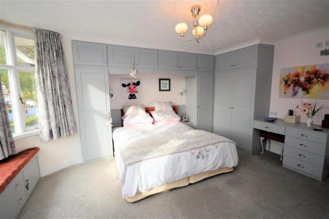 Bedroom 1 further view