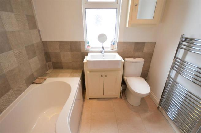 Superb Refitted Family Bathroom