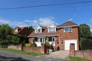 Photo of Extended Detached House, Four Receptions Rooms, Large Rear Garden