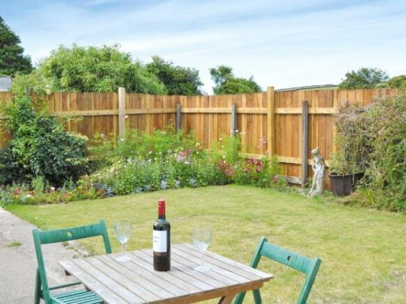 Lakewell Barn Garden