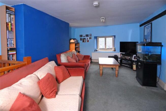 Apartment/Sitting Rm