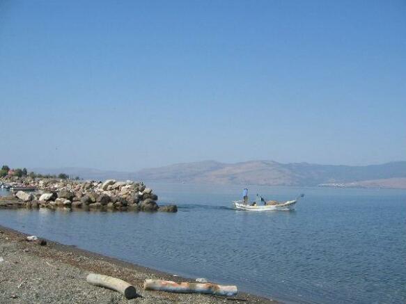 Harbor Sk Vasilika